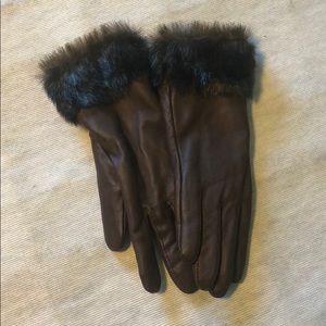 Fake leather/ fake fur brown gloves
